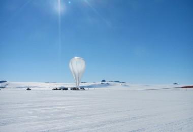 Balon badawczy NASA na Antarktydzie / flickr.com by NASA